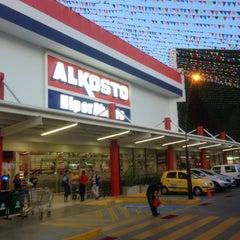 Foto tomada en Alkosto por Andres A. el 4/2/2013