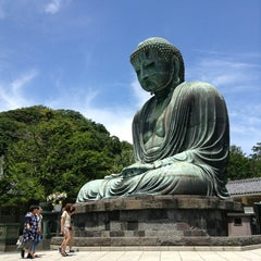 Photo taken at 鎌倉大仏 (Great Buddha of Kamakura) by Yoshinori K. on 7/19/2013
