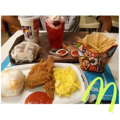 Photo taken at McDonald's by Septiana P. on 7/13/2014