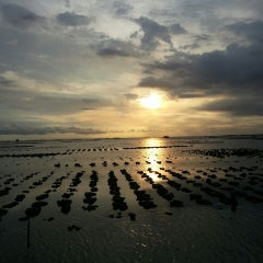 Photo taken at ครัวจ้าวทะเล อ่างศิลา by A-thus on 6/16/2013