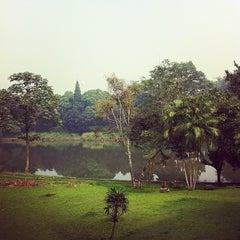 Photo taken at Pusat Studi Jepang by Adam Mukharil B. on 3/15/2014