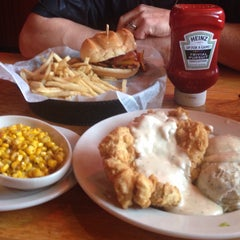 Photo taken at Logan's Roadhouse by Donna C. on 6/3/2015