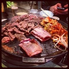 Photo taken at Honey Pig Gooldaegee Korean Grill by Eric R. on 5/17/2013