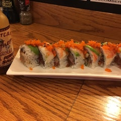 Photo taken at Mizu Sushi & Grill by Mike T. on 10/29/2015