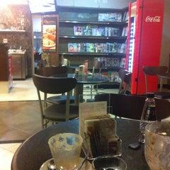 Photo taken at Fran's Café by Cristal🌙 L. on 10/18/2013