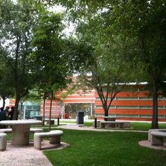 Photo taken at Universidad del Valle de México (UVM Campus Zapopan) by Donovan L. on 7/10/2013