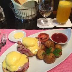 Photo taken at Cafe Esplanade by Nuno L. on 10/26/2014