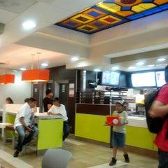 Photo taken at McDonald's by Ricardo M. on 8/21/2013