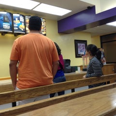 Photo taken at Taco Bell by Augusto C. on 11/7/2013