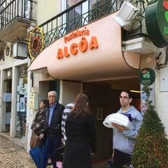 Photo taken at Pastelaria Alcôa by Nelson P. on 11/22/2015