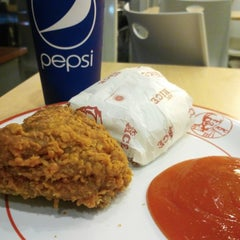 Photo taken at KFC / KFC Coffee by Izran A. on 4/8/2015