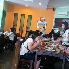 Photo taken at Pandan Bistro by Ali L. on 8/17/2014
