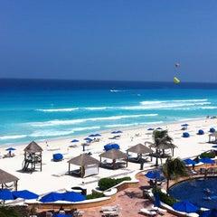 Photo taken at The Ritz-Carlton, Cancun by Gerardo L. on 6/21/2013