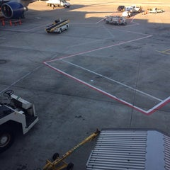 Photo taken at Gate B3 by Ernst Emery C. on 5/6/2014