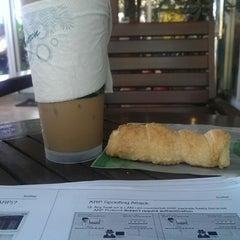 Photo taken at Café Amazon (คาเฟ่ อเมซอน) by Yothin P. on 9/25/2014