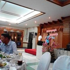 Photo taken at Hadsaengchan Resort & Restaurant by Aphichart W. on 6/5/2014