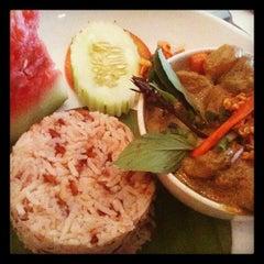 Photo taken at myElephant Thai Restaurant by Prakash D. on 2/8/2012