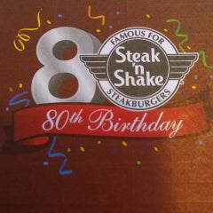 Photo taken at Steak 'n Shake by Tracy Raci L. on 10/25/2014
