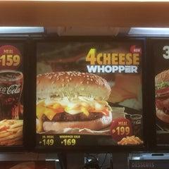 Photo taken at Burger King by Edgar W. on 4/10/2015