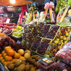 Photo taken at ตลาด อ.ต.ก. (Or Tor Kor Market) by Nicole H. on 10/6/2012