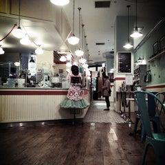 Photo taken at Magnolia Bakery by Matt L. on 12/15/2012
