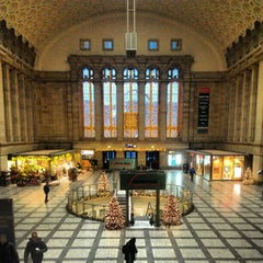 Photo taken at Leipzig Hauptbahnhof by Eugene K. on 12/16/2012