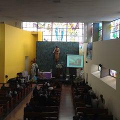 Foto tomada en Iglesia Parroquial La Medalla Milagrosa por Patricia G. el 5/12/2013