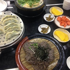 Photo taken at 그집 (Gujip Restaurant) by Celina K. on 9/5/2015