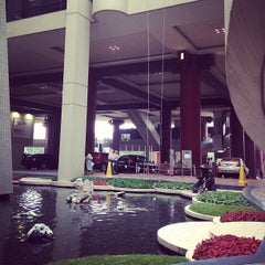 Photo taken at The Portman Ritz-Carlton, Shanghai by Chen C. on 6/11/2013