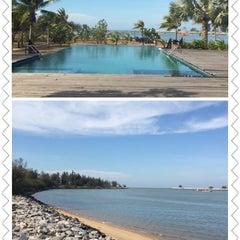 Photo taken at Lawana Escape (Lawana Beach Resort) by Nung on 4/26/2014