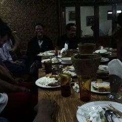 Photo taken at Sate Pancoran by Irfan J. on 7/24/2013