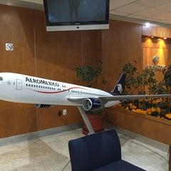 Photo taken at Oficinas Corporativas Aeroméxico by Itaicita on 10/30/2015