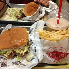 Photo taken at Fatburger by Steven B. on 8/17/2013