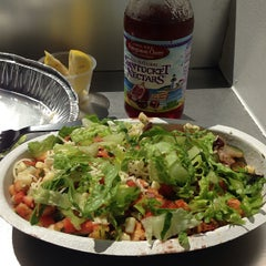 Photo taken at Chipotle Mexican Grill by Alan M. on 9/10/2013