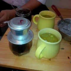 Photo taken at Cafe Sen by Phong V. on 11/11/2013