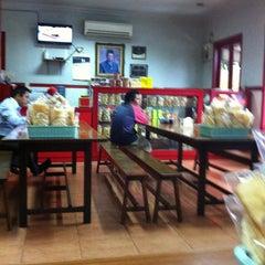 Photo taken at Soto Ambengan Pak Sadi by Lisa D. on 7/17/2013