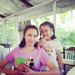Photo taken at ห้องอาหาร @Es-ta-te Resort เขาเขียว by Supawuth S. on 3/23/2013