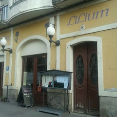 Photo taken at Restarurante Lilium by Ignacio G. on 12/14/2011