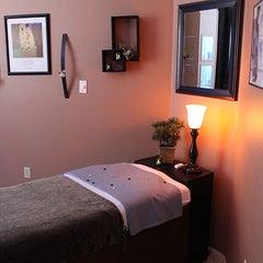 Photo taken at Healing Laser Clinics Stop Smoking and Wellness Spa by Healing Laser Clinics Stop Smoking and Wellness Spa on 10/28/2013