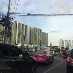 Photo taken at แยกพัฒนาการ (Phatthanakan Intersection) by Bank A. on 7/15/2015