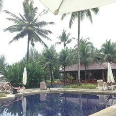 Photo taken at Palm Galleria Resort by Satanggyyy P. on 12/30/2012