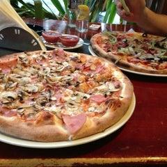Photo taken at Gambino's Pizza by Alexandra Larisa C. on 3/22/2013