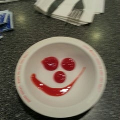 Photo taken at Johnny Rockets by Toni B. on 5/18/2013