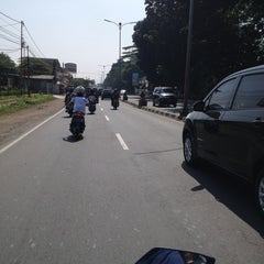 Photo taken at Jalan Raya Bogor by nuning l. on 6/26/2013