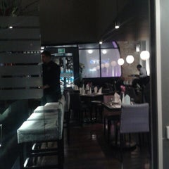 Photo taken at Eloise, chic cuisine by Santiago O. on 2/10/2015