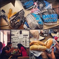 Foto tomada en Burger Land por Ario J. el 9/5/2013