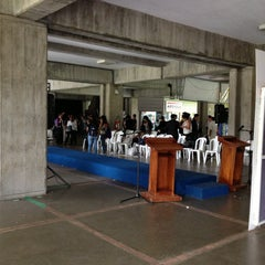 Photo taken at Universidad Rafael Landívar by Estuardo C. on 4/26/2013