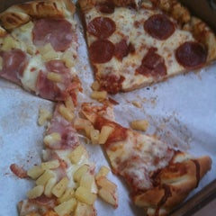 Photo taken at Deano's Gourmet Pizza by Paul R. on 7/21/2013