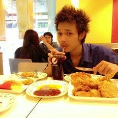 Photo taken at KFC (เคเอฟซี) by ต้อยติ่ง น. on 7/7/2013