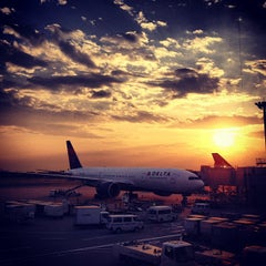 Photo taken at 成田国際空港 (Narita International Airport) (NRT) by Alfred H. on 6/8/2013